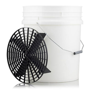 White 20 Litre Detailing Bucket With Scratch Shield