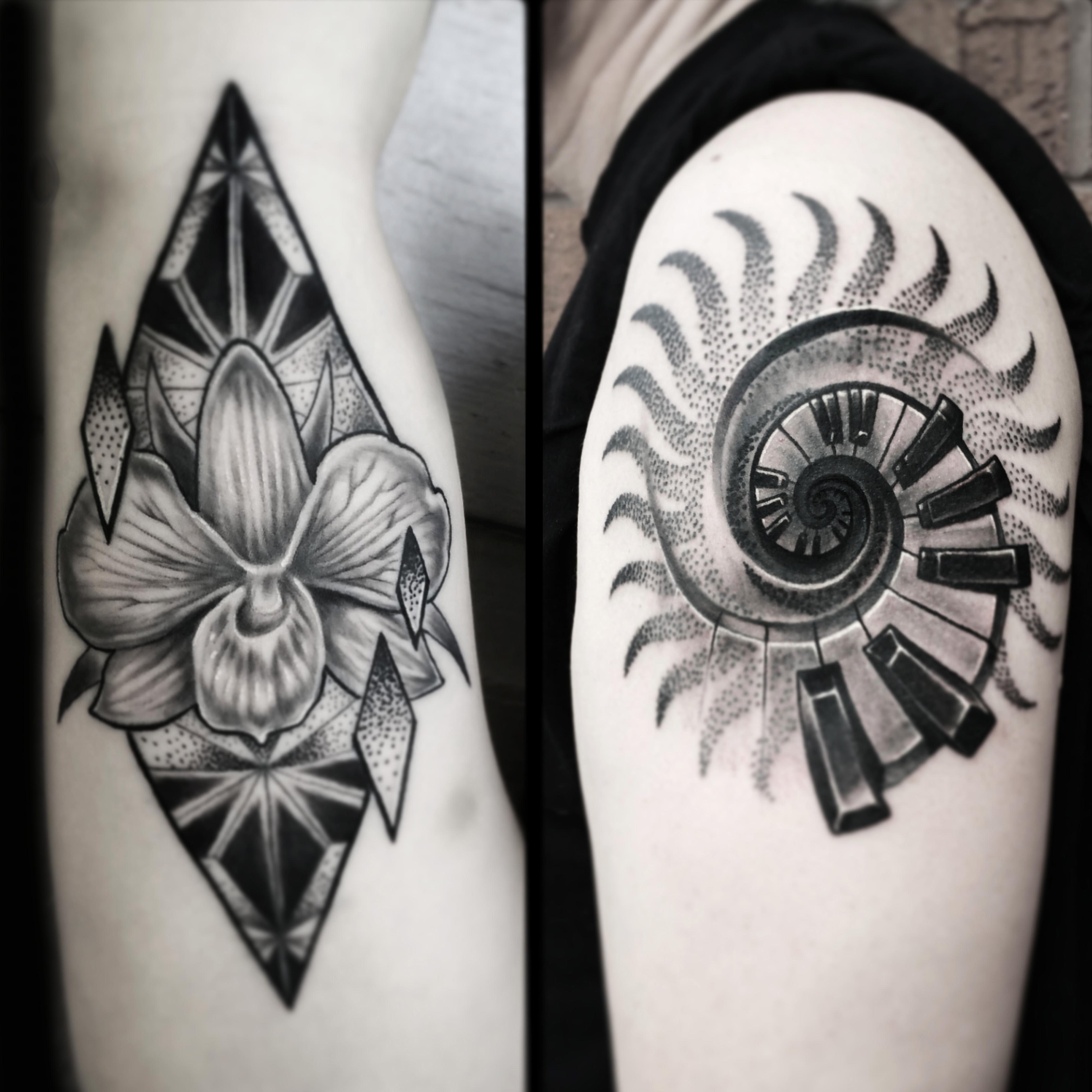 3 small geometric flower and sun tattoo