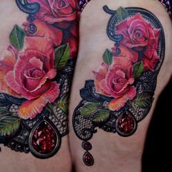 29 rose lace and jewels oscar zornosa