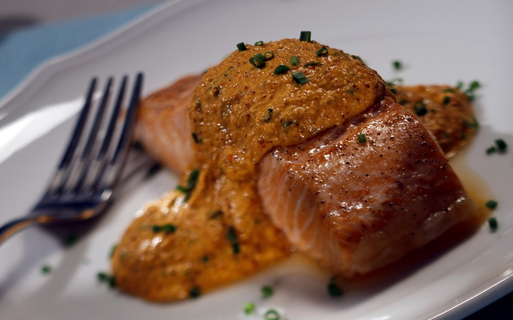 Red Bell Pepper Pesto Salmon