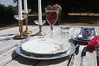 Mässingsljusstakar, vintage porslin, kristallglas