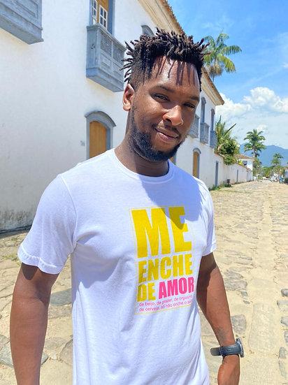T-Shirt Me Enche de Amor