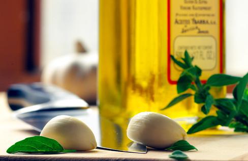 garlic-olive oil-020251.jpg