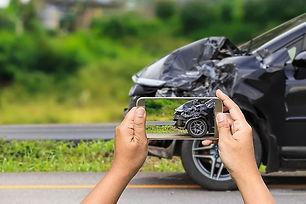 Wir rekonstruieren jeden Unfall. Exakt und schnell! Rufen Sie uns noch heute an und wir helfen Ihnen die Schuldfrage zu klären. Jetzt von Ihrem Kfz-Gutachter in Neuss und Krefeld.