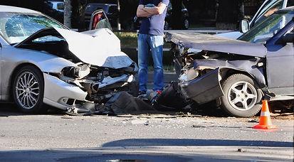 Wir erstellen Ihr Unfallgutachten und wickeln Ihren Unfallschaden zuverlässig ab.