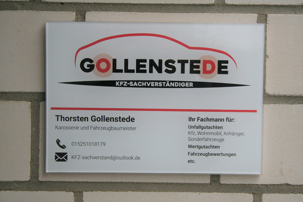Wir sind Ihr Kfz Gutachter für Neuss und Krefeld. Jetzt Unfallgutachten erstellen lassen.