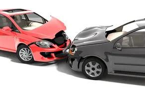 Jemand baut einen Unfall mit meinem Auto – Was ist in dieser Situation zu tun?