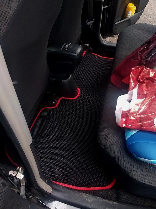 Коврики EVA Toyota Vitz (XP130, правый руль) 2010-.... г.в.