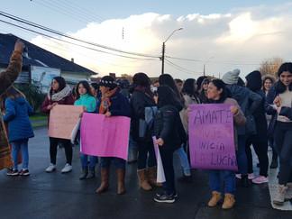 Queilinos marcharon contra la violencia hacia la mujer