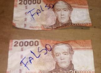 Comerciantes de Queilen alertan circulación de billetes falsos
