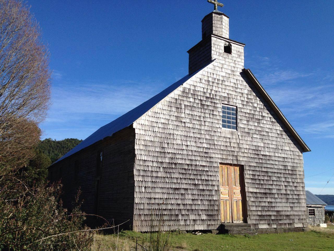 Iglesia de Agoní Bajo
