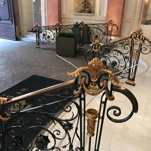 ringhiera scale Saint Regis Rome 4.JPG