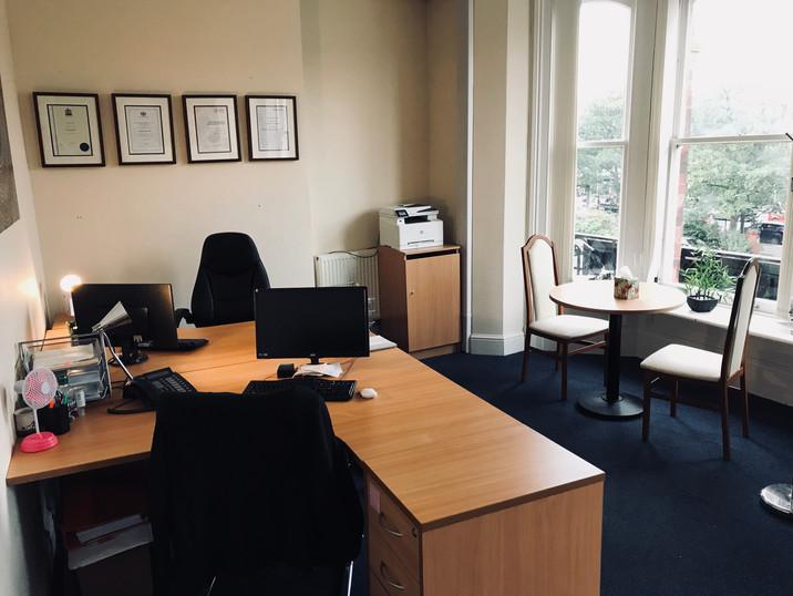 Office 6 Desk.jpg