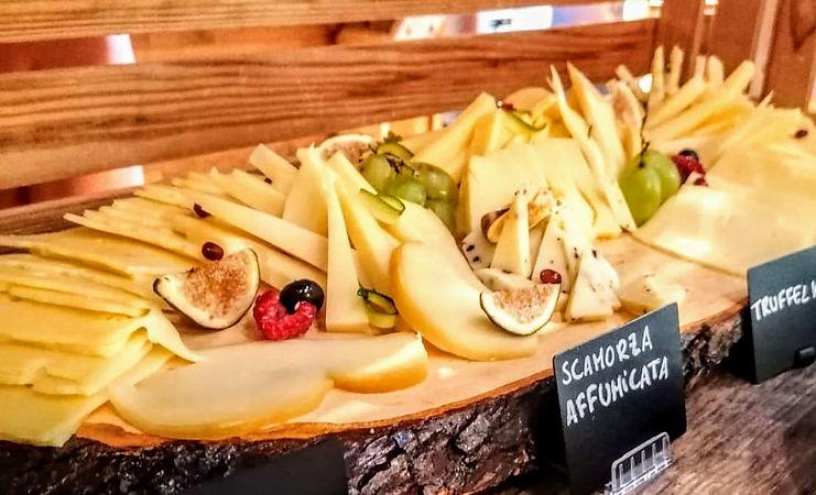 PastaOaseBrunch_Buffet_Käseplatte.jpeg