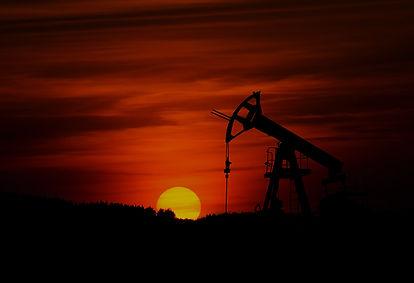 dull-oil-fracking-zbynek-burival.jpg