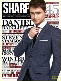daniel-radcliffe-covers-sharp-magazine-november-2013-05