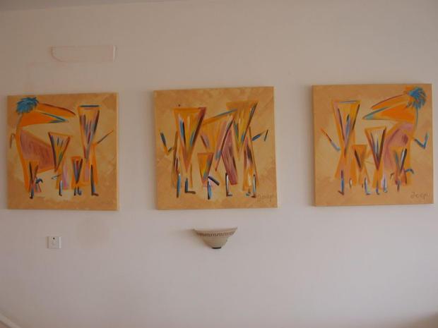 Peri Petra Tria (private collection)