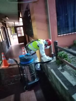Limpieza de Canaletas Aguas Lluvias Colegio Irma Salas Silva, Con Con.