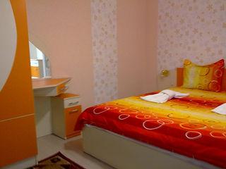 Квартири в центъра. Двойни и тройни стаи, със самостоятелен WC, TV, Wi-Fi, хладилник, гараж, градина
