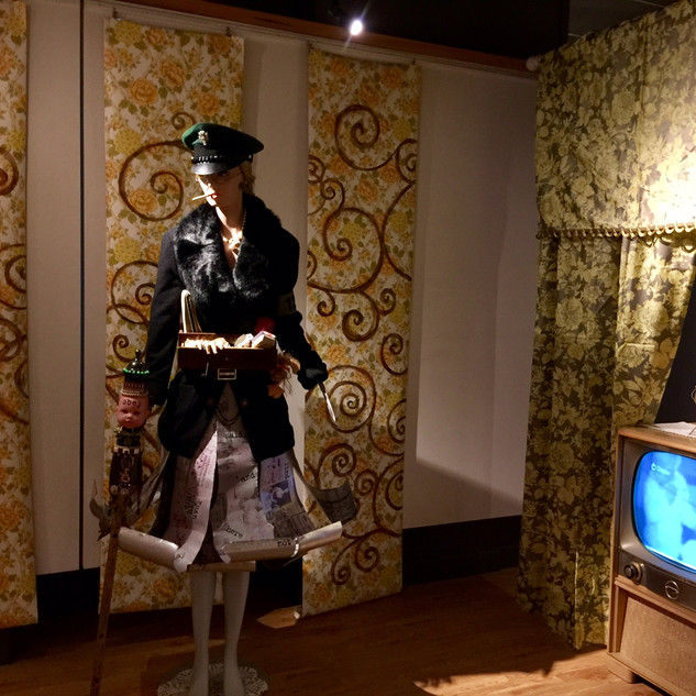 Housewives- install shot
