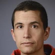 Julio Alvarez Headshot.jpg