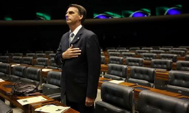 BOLSONARO: ECONOMIA E RELAÇÕES INTERNACIONAIS BRASILEIRAS (2015).