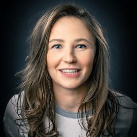 Laura Mackenzie - Comedian