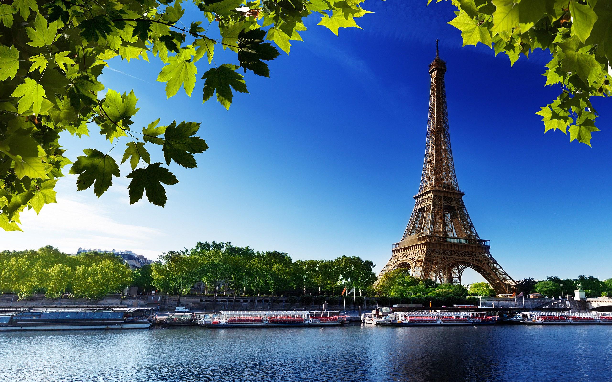 Eiffel-Tower-Summer