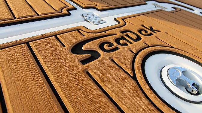 Con SeaDek personalizás tu lancha y le dás más valor