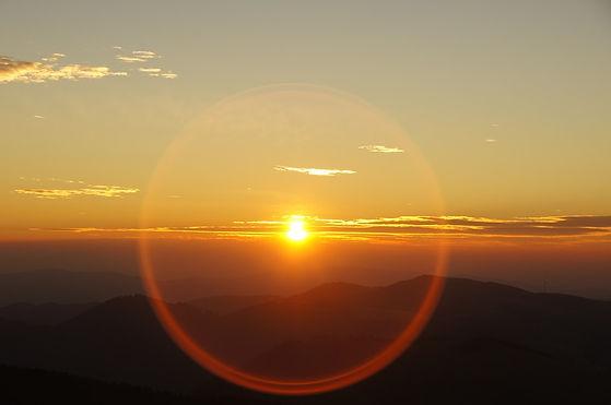 sunrise-225414_960_720.jpg