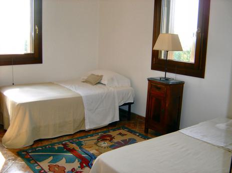 Guestroom 5.jpg