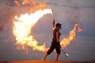 Amazing fire performance, solo.jpg