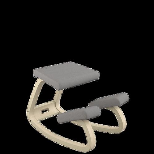 Variable balans® hintatalpas szék natúr vázzal