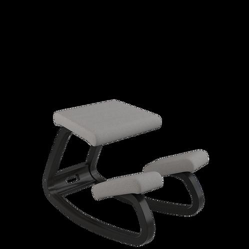 Variable balans® hintatalpas szék fekete vázzal