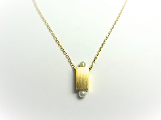 N002K    Two- Point Pearl Necklace