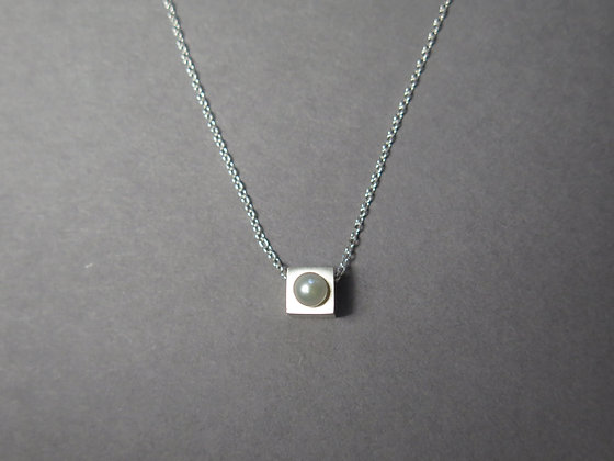 N001SS   Baby Cubic Necklace (Silver)