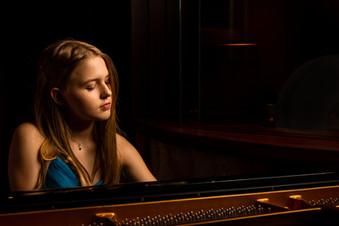 Emily Linge