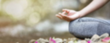 Kurse_Hatha-Yoga_unten_AdobeStock_219063