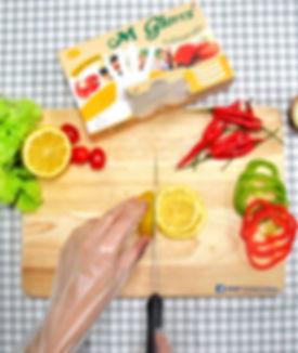 ถุงมือพลาสติก เอ็ม โกลฟ เจ้าเดียวในตลาดที่มีปุ่นกันลื่นจริง!  Food Grade ทำจากพลาสติกคุณภาพสูง เหนียวนุ่ม ไม่ขาดง่าย ใช้ในการประกอบอาหารหรือประยุกต์ใช้ได้ตามความต้องการ