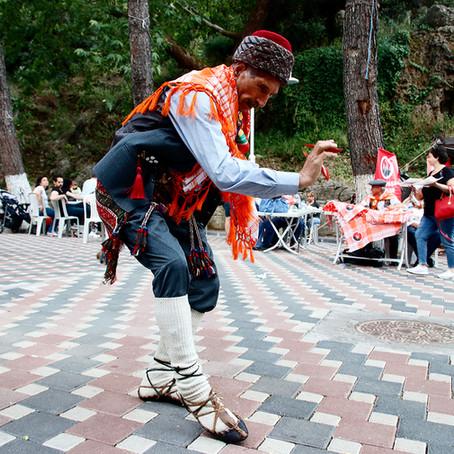 "Turkish dance ""Harmandali"" efe zeybek"