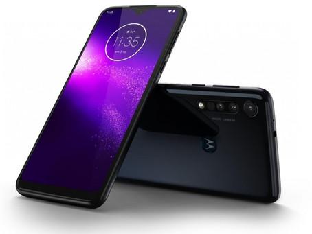 Η Motorola ανακοίνωσε το One Macro με Helio P70 και 4GB ram
