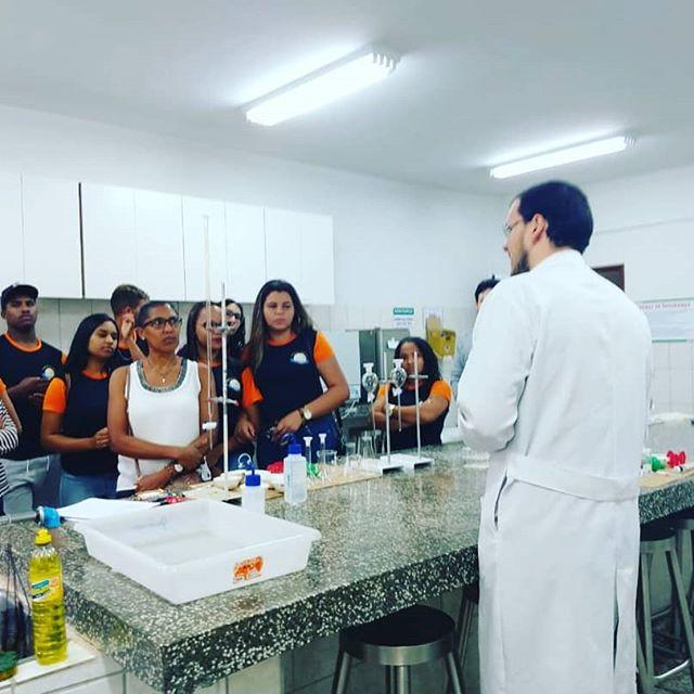 Visita técnica faculdade de fármacia