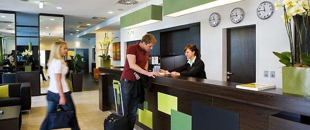 English-Major-Hotel1-1088x457.jpg