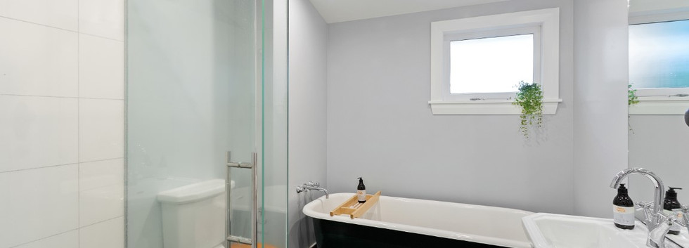 12 Westminster Street - Bathroom 2