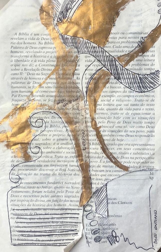 Biblia II, colagem e folha de ouro sobre papel