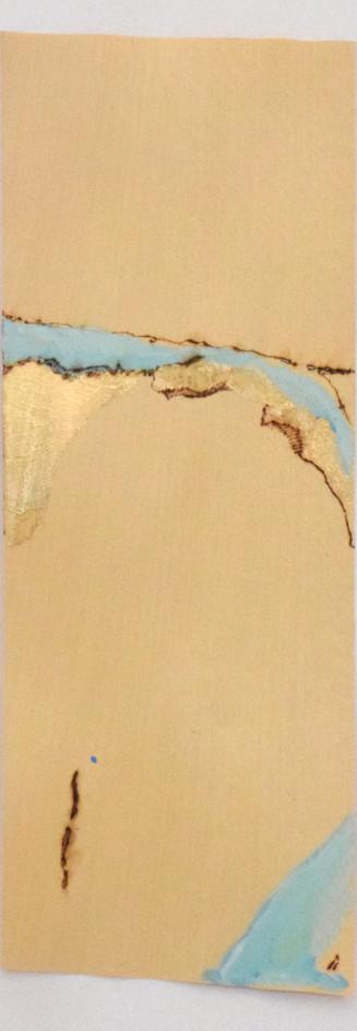 Mentira IV, Pirografia e pintura sobre folha de madeira