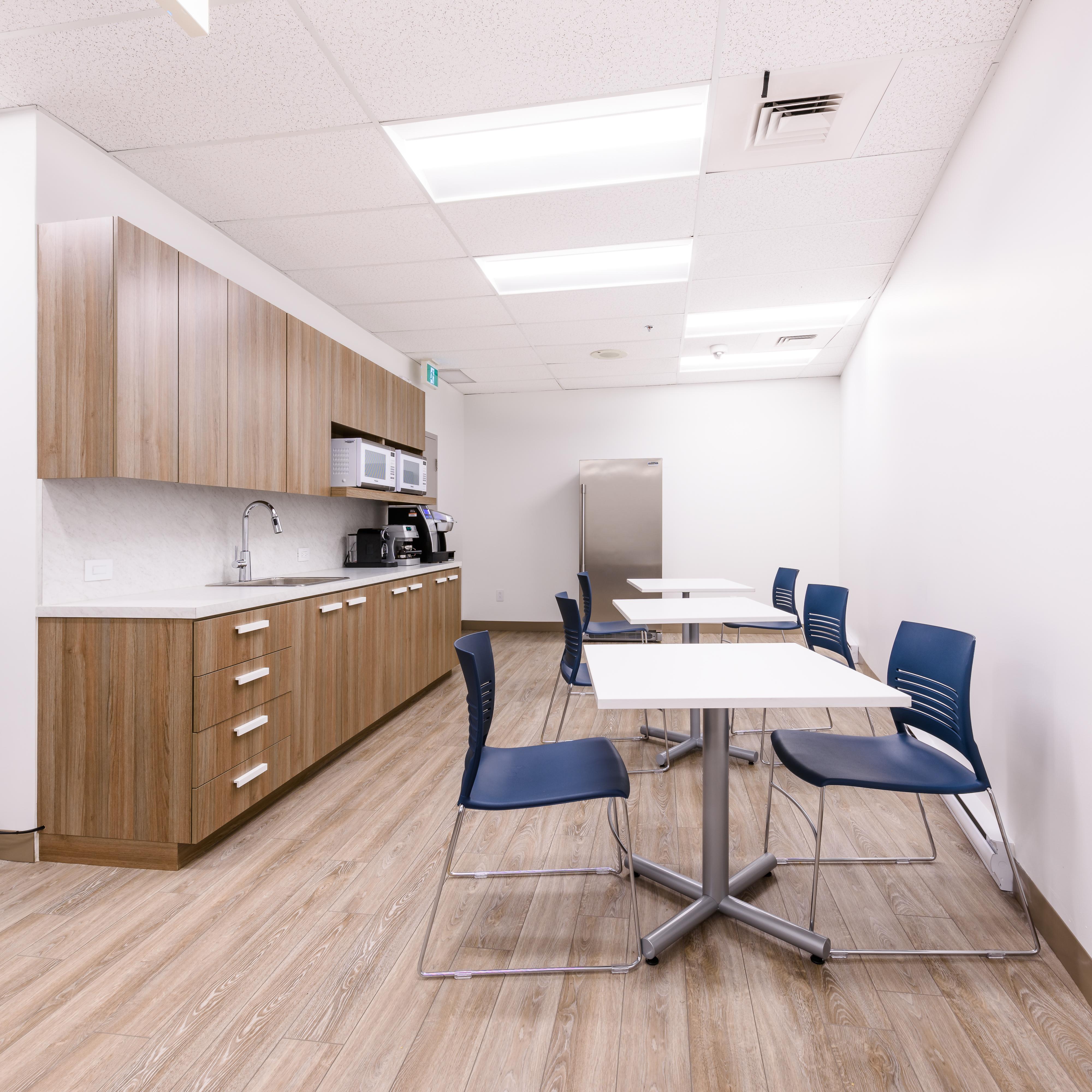 cuisine blanche cabinets bois