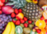 uvas-morangos-abacaxi-kiwi-damasco-banan