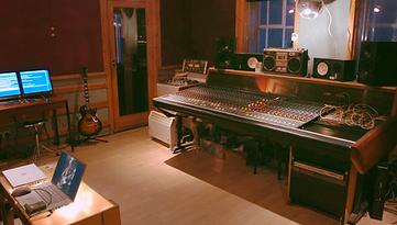 Music studio, recording studio, studio mixer,  mixing, sonediting music, mastering, recording, Melody Create, Kiasi,
