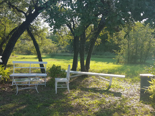 A nice, pastoral setting for sure!
